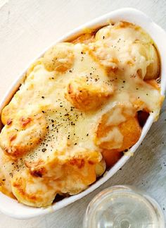 Low FODMAP Recipe and Gluten Free Recipe - New potatoes with cheese sauce http://www.ibssano.com/low_fodmap_recipe_new_potatoes_cheese_sauce.html