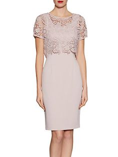 Gina Bacconi Crepe Dress With Primrose Guipure Top, Ballet Pink Summer Wedding Outfits, Summer Dress Outfits, Mob Dresses, Fashion Dresses, Crepe Dress, Lace Dress, Races Outfit, Mode Blog, Dress Shapes