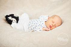 Ice-Hockey booties for babies - Vauva Hokkarit pikku kiekkoilijalle <3 https://fi-fi.facebook.com/pages/Vauva-Hokkarit/143305242513439  #jääkiekko #hokkarit #kiekko #vauvakuvaus #valokuvaus #vauvahokkarit