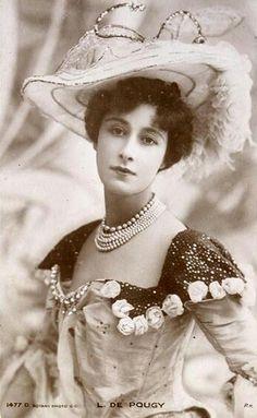 Liane de Pougy, courtisane puis princesse. Elle a écrit quelques livres