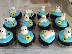 frozen fever cupcakes - Google Search