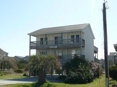 Property 804 Topsail Drive, Surf City , 28445 has 3 bedrooms, 3 bathrooms with 1972 square feet.