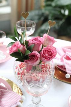 How to Set a Valentine's Tablescape ~ A Romantic Brunch for Create a lovely Valentine's Day tablescape for brunch with DIY napkins and vintage tableware. Valentines Day Tablescapes, Valentine Day Table Decorations, My Funny Valentine, Be My Valentine, Valentine Ideas, Valentine Cards, Pink Table, Valentine's Day Diy, Brunch