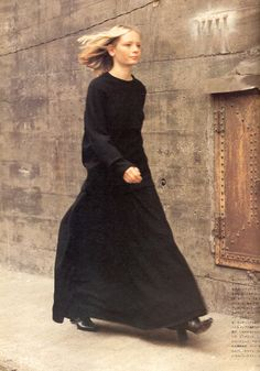 Styles of New York Fall 1998, Sarah T. photographed by Rowland Kirishima for High Fashion Magazine 8 August 1998