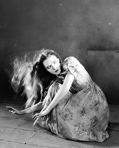 "Lillian Gish in ""The Wind"" (1928)"
