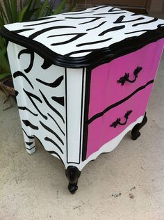 Hot Pink and Black and White zebra print nightstand. We are doing this for my Granddaughter's zebra room this summer! Funky Furniture, Furniture Makeover, Painted Furniture, Decopage Furniture, Graffiti Furniture, Furniture Plans, White Zebra, Pink Zebra, Zebra Decor