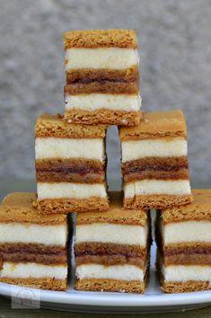 Easy Cake Recipes, Dessert Recipes, Desserts, Christmas Deserts, Cake Bars, Savoury Cake, Sweet Cakes, Bakery, Food And Drink