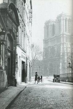 Gisèle Freund Rue Saint Julien-le Pauvre, Paris, 1933