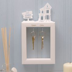 Are you interested in our Personalised small wooden key holder for families? With our personalised wooden small key holder new home gift you need look no further. Lego Key Holders, Wooden Key Holder, Wall Key Holder, Key Hooks For Wall, Personalized Signs For Home, Unusual Furniture, Shabby Chic Frames, Mirror With Shelf