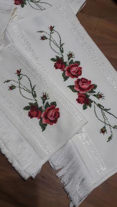 Embroidery Designs, Towel, Cross Stitch, Punto Cruz Gratis, Cross Stitch Rose, Embroidered Towels, Cross Stitch Embroidery, Kitchens, Cross Stitch Samplers