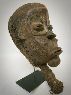 Luluwa Dancemask – LULUA – D.R. Congo