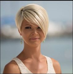 when i see all these popular short bob hairstyles hair cuts it always makes me jealous i wish i could do something like that I absolutely love this short bob h Popular Short Hairstyles, Short Hairstyles For Women, Straight Hairstyles, Short Haircuts, Hairstyle Short, Pixie Hairstyles, Hairstyles Haircuts, Hairstyle Ideas, Blonde Hairstyles