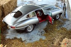 E type Jaguar Jaguar E Type, Jaguar Cars, Automobile, British Sports Cars, Best Classic Cars, Sexy Cars, Amazing Cars, Awesome, Courses