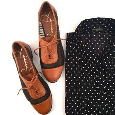 Mesh Oxfords Jessica Simpson mesh lace up oxfords with leather and fabric upper. Excellent condition! Jessica Simpson Shoes Flats & Loafers