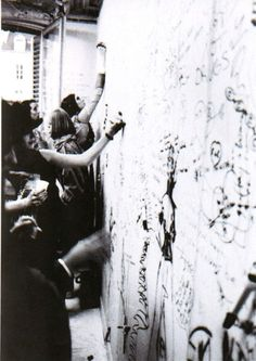 Maison Martin Margiela FW 1991 / photo: Ronald Stoops Bare walls were tagged by the women and guests during the presentation