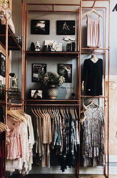 Closet Barato: 10 Dicas + 60 Fotos Criativas de Decoração DIY Closet System, Closets, Getting Organized, Closet Designs, Design Ideas, Inspired, Organization, Bedroom Decor, Resurfacing Cabinets