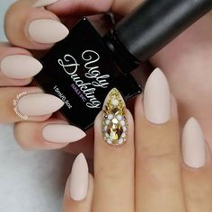 Matte acrylic nails look extremely different from the glossy ones. Just have a look at this great nail design!