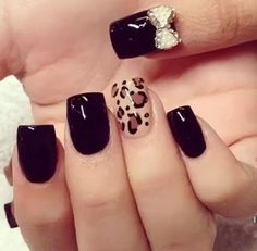 Love the bow on the thumb