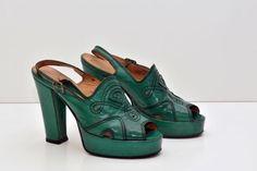 Un preferito personale dal mio negozio Etsy https://www.etsy.com/it/listing/489674643/sandalo-vintage-originale-anni-70