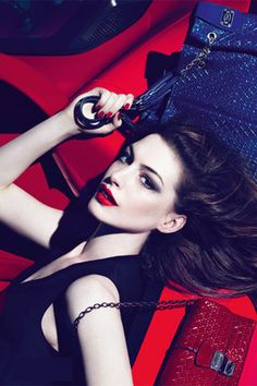 Anne Hathaway. - #famous #actress