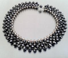 Maxi colar entrelaçado de cristais preto