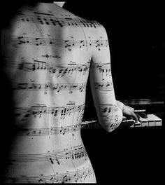 Woman's back with Sheet music art & playing piano art Music Love, Music Is Life, Music Music, Piano Music, Staff Music, John Lenon, Lumiere Photo, Projector Photography, Piano Photography