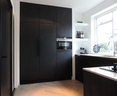 Beautiful Kitchen Designs, Beautiful Kitchens, Interior Design Tips, Interior Design Kitchen, Black Kitchens, Home Kitchens, Rustic Kitchen Design, Kitchen Units, Küchen Design