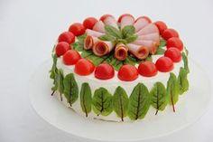 Sweet home : Ilusad võileivatordid Sandwich Cake, Sandwiches, Veggie Cakes, Salad Cake, Salad Dishes, Food Decoration, Snacks, Creative Food, Food Presentation