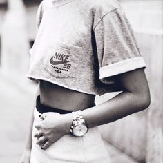 Trend on the Streets: Sporty Chic Sport Fashion, Look Fashion, New Fashion, Womens Fashion, Fashion Trends, Fashion Killa, Fashion Shoes, Girl Fashion, Fashion Jewelry