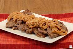 bife acebolado cremoso Waffles, Recipies, Food And Drink, Yummy Food, Beef, Chicken, Breakfast, Pastel, Steak Recipes