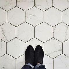 Karra Carrara x Porcelain Field Tile - EliteTile Karra x Hexagon Porcelain Field Tile White/Gray - White Bathroom, Modern Bathroom, Small Bathroom, Bathroom Ideas, Minimalist Bathroom, Silver Bathroom, Bathroom Stuff, Bath Ideas, Bathroom Furniture