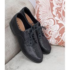 Ele voltou e agora repaginado com paetês! #ValentinaFlats #shoes #fashion #loveit #loveshoes #shoeslover #flat #love #inverno2016 #pretty #nice #style #oxford