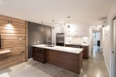 Cuisine Condo, Church Interior, White Velvet, Floor Decor, Concrete Floors, Home Kitchens, Home Office, House Plans, Planking