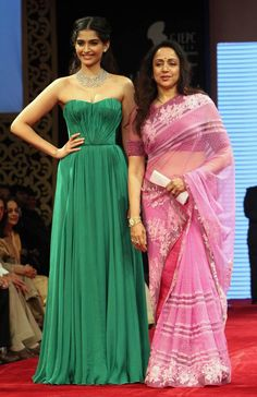 i want something like that green dress for bridemaid dresses! same colour & everything :)