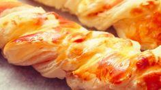 Kārtainās mīklas bizītes ar vistu un sieru. Lieliska uzkoda svētku galdam