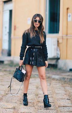 Street style look balada com suéter.