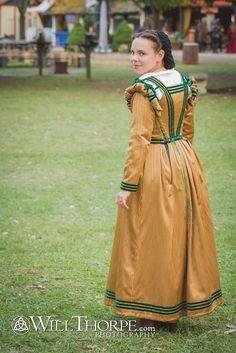 La Vita Italiana | The Girl with the Star-Spangled Heart: La Vita Italiana 1590s Italian Renaissance Dress