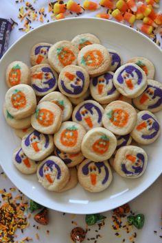 See more of sweetseasons's VSCO. Fall Treats, Halloween Treats, Halloween Costumes, Halloween Season, Fall Halloween, Happy Fall Y'all, Favorite Holiday, Fall Recipes, Pumpkin Spice