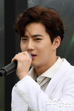 Suho - 170718 Fourth Regular Album 'The War' comeback press conference Credit: 노컷뉴스. (정규 4집 '더워' 컴백 기자회견) EXO EXO K Suho 170718 exo im exo k im suho im 170718 press conference p:news fs:nocut news