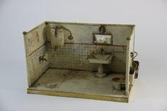 Spielzeug Blech Puppenstube Bad Spiegel Waschbecken Toilette ~1900/20