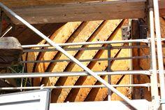1200 Bolzen sind für die Befestigung der Planken verwendet worden