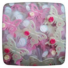 ♥ Tiryaki Hobi ♥: Keçe bebek şekeri / doğumgünü magneti - kelebek (CANAN)   ----- felt butterflies