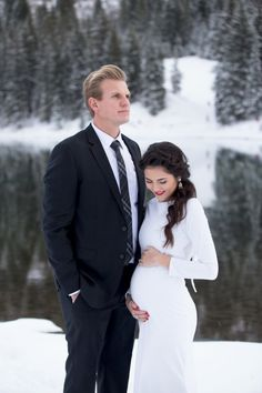 winter-pregnancy-announcment-ideas