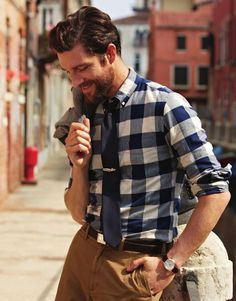 Men's Spring 2014 trend: dressed up gingham shirt menswear, men's fashion and style Sharp Dressed Man, Well Dressed Men, Stylish Men, Men Casual, Smart Casual, Look Fashion, Mens Fashion, Spring Fashion, Moda Formal