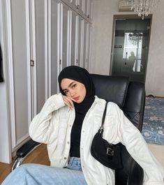 Modest Fashion Hijab, Street Hijab Fashion, Casual Hijab Outfit, Muslim Fashion, Modest Outfits, Casual Outfits, Korean Girl Fashion, Look Fashion, Fashion Outfits