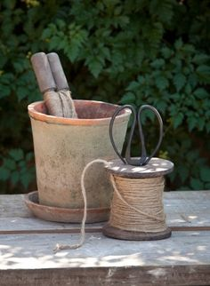 ♥ potting shed ♥ Grandmas Garden, Flower Pots, Flowers, Potting Sheds, Wooden Spools, Garden Pots, Garden Cottage, Green Garden, Clay Pots