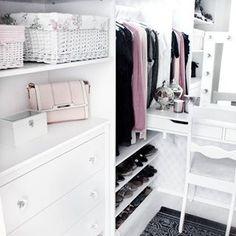 Today I'm going to another business class, what to wear...  ~⭐⭐⭐~  Tänään menen toiseen yritys koulutukseen, mitäköhän laittaisi päälle... #walkincloset #closet #closetdream #closetorganization #dreamcloset #wardrobe #dressingroom #closetinspo #vaatehuone #klädrum #fashionlovers #sisustus #sisustaminen #inredning #finnishhome #sisustusinspiraatio #cimlainterior #suomisisustaa #koti #hem #jj_interior_ Makeup Places, Koti, Home Office, Organization, Photo And Video, Interior, Closet, Home Decor, Getting Organized