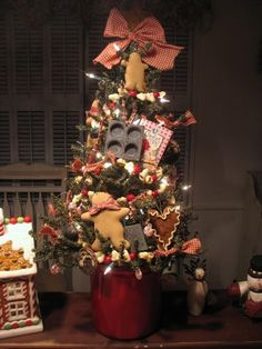 Gingerbread Christmas Tree for the Kitchen.....adorable! #christmas by Brenda McGowan