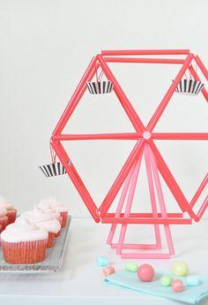DIY Mini Ferris Wheel - Riesenrad für den Partytisch