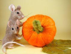 Needle felting - I love these mice!